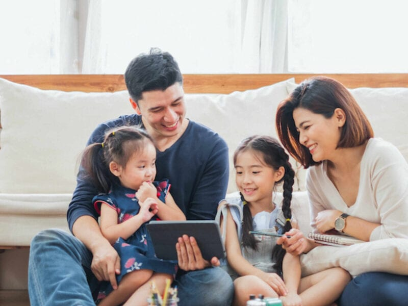Does quarantine have your family in a bored slump, and are you itching to make some great memories? Check out some fun things to do with the kids here.