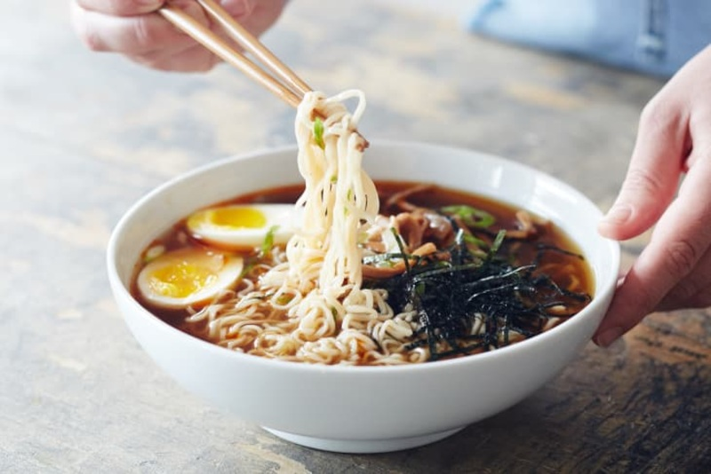 Looking to fill up an empty stomach with a simple & easy fix? Try out all our favorite recipes to spice up your yummy ramen noodles here.