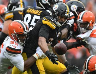 The Pittsburgh Steelers are set to take on the Browns. Discover how to watch the game today online.