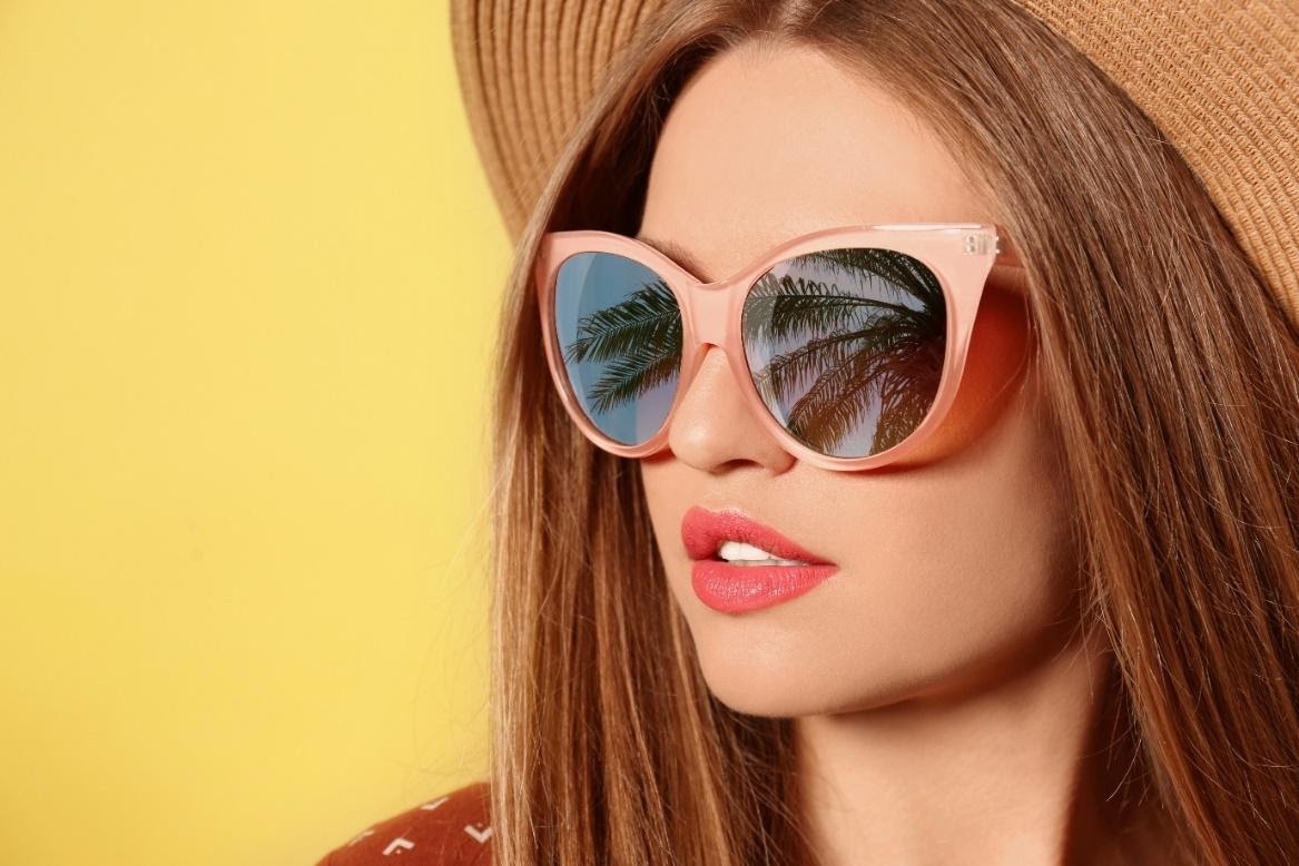 With summers just months away, chic sunglasses are the best way to complement any outfit. Check out these fashionable women's sunglasses.