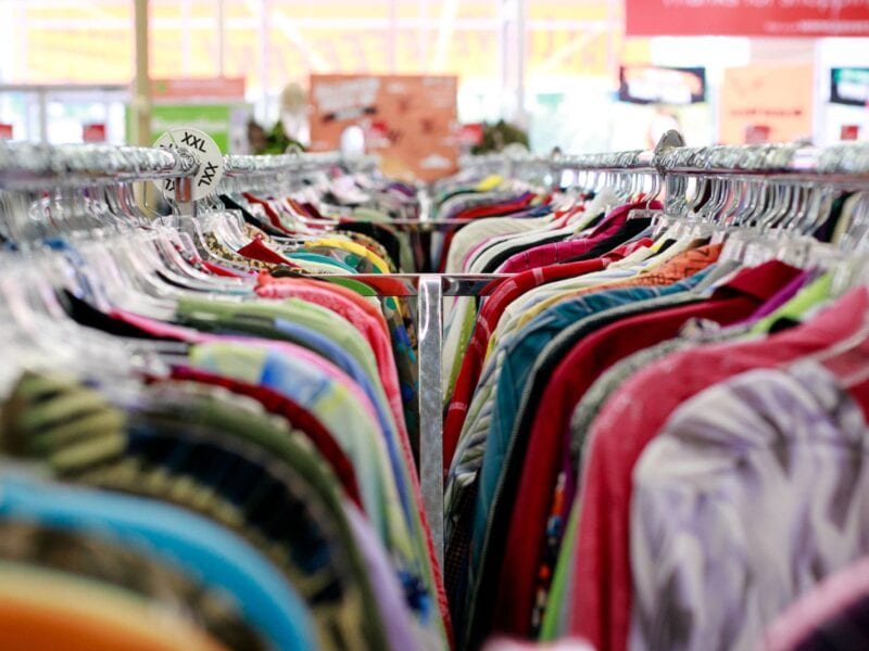 Do you want to look posh while saving money? Here are the some tips on how to properly budget a stylish wardrobe.