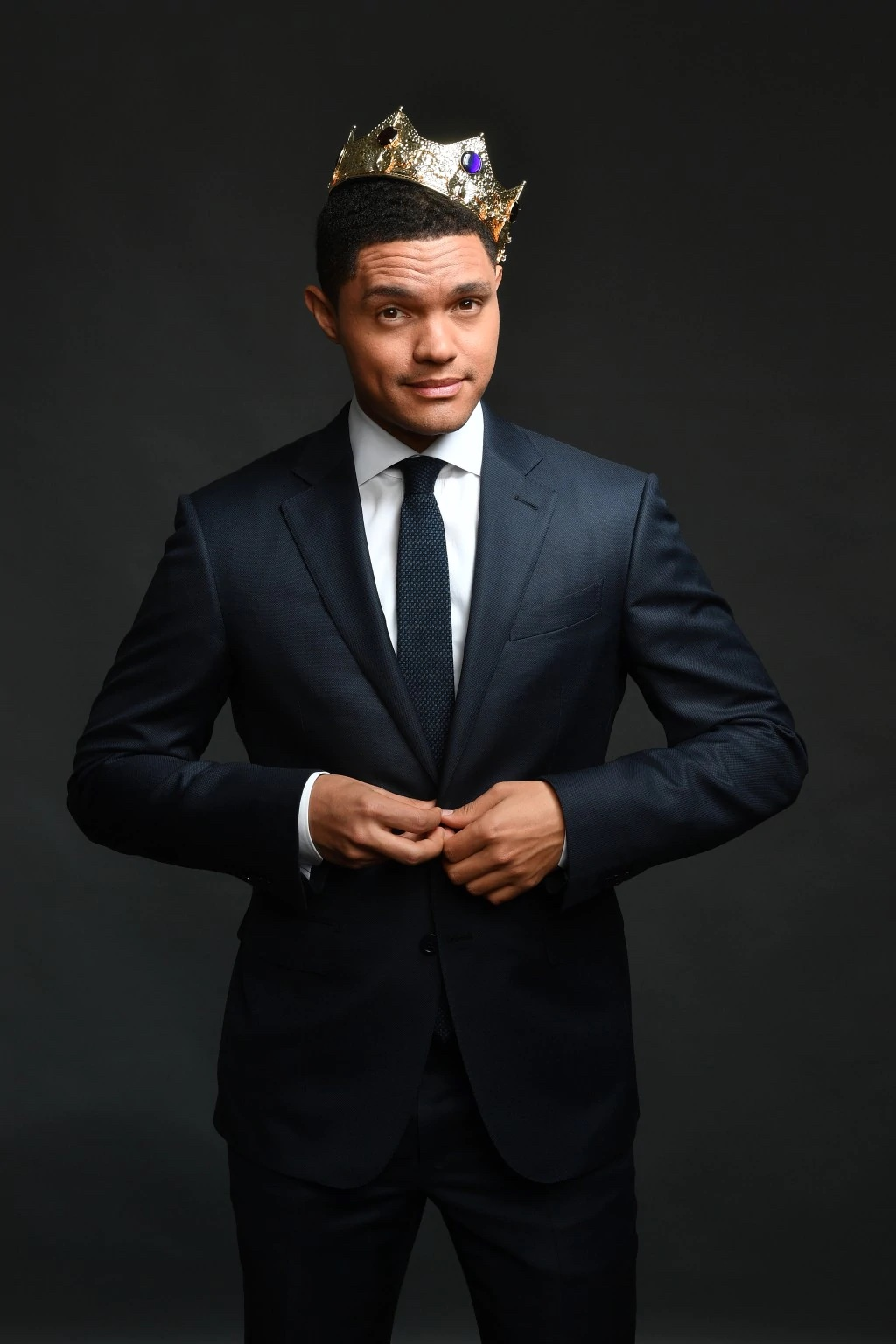 Comedian Trevor Noah has been spotted with a new girlfriend. Could she be the one? Read on as we spill the tea about this hot couple.