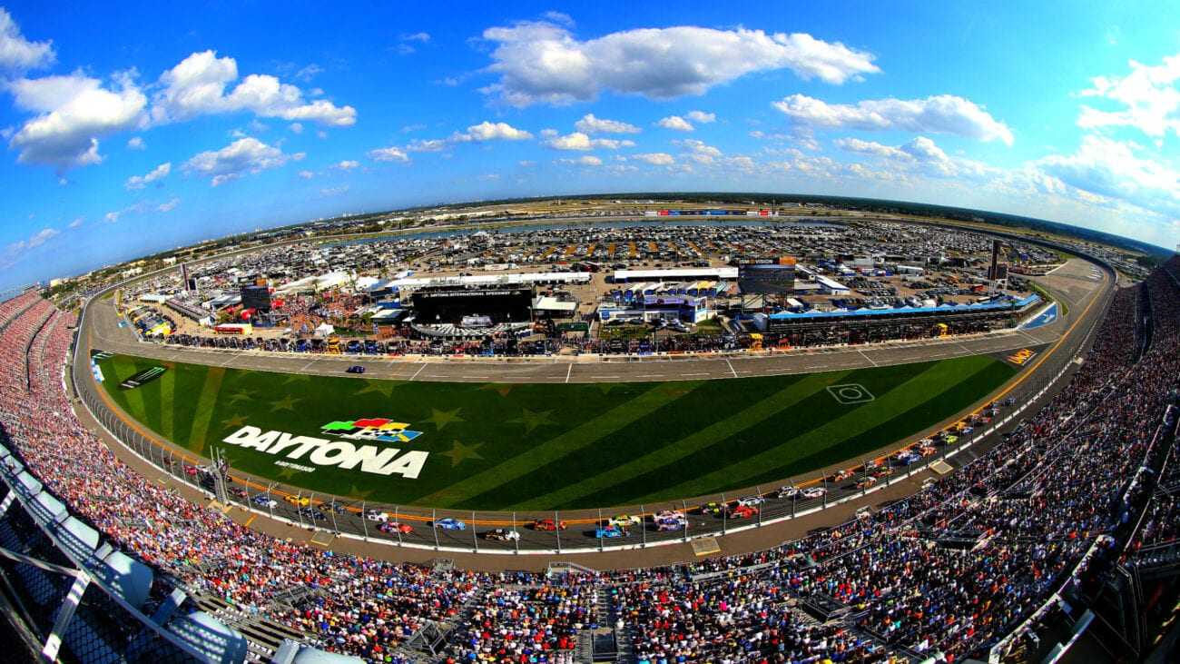 Start your engines! Find out the best ways to live stream this year's Daytona 500 right here, right now.