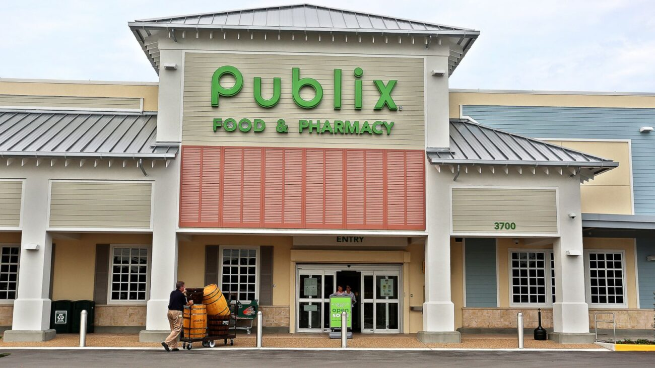 Why are long-time customers of Publix supermarkets turning on their favorite store? Grab a shopping cart and head over to the tea aisle to find out!