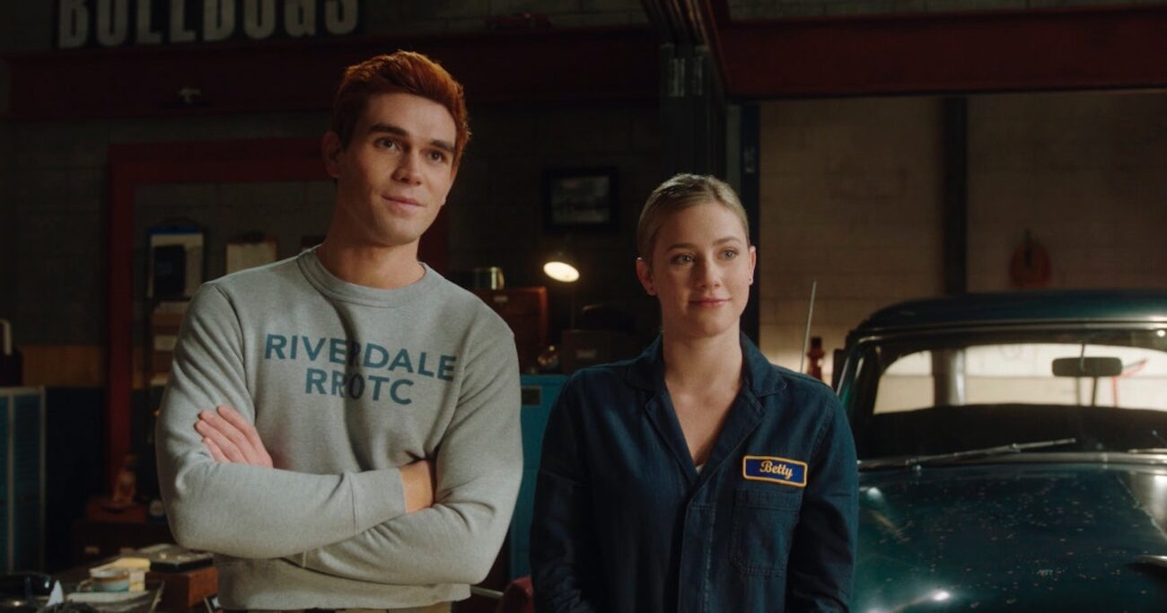 Betty and Archie finally hooked up in 'Riverdale'. Dive into one of the steamiest shower scenes and see all the thirsty fan reactions from Barchie stans.