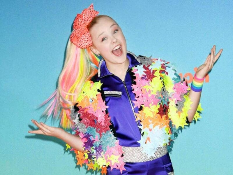 Jojo Siwa loves being in love! But have you seen the teenager's precious social media posts? Take a look at the YouTuber's most loving videos.