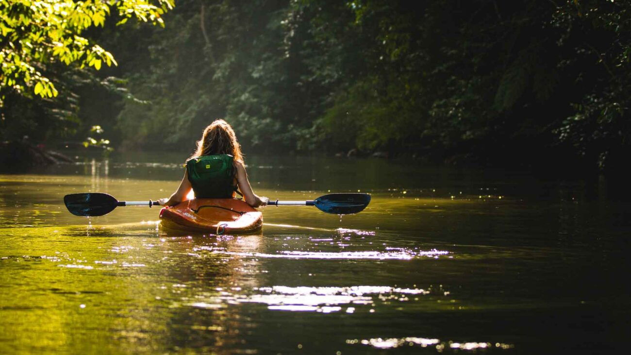 Using a kayak is fun, but sometimes it can feel impossible to avoid getting wet. Here's how to enjoy the sport without getting soaked.