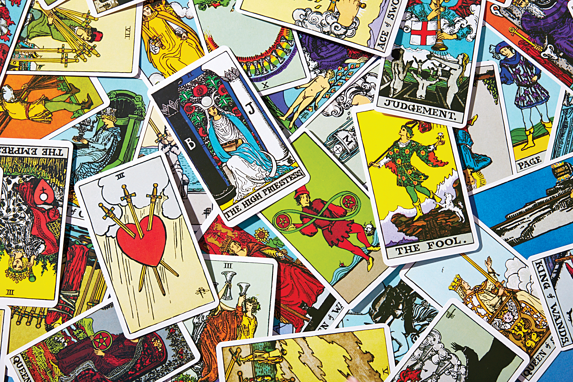 Understand the meaning of tarot cards Here's a guide to the decks ...