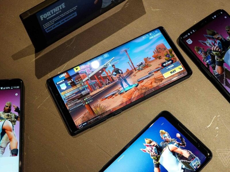Just because you aren't at home doesn't mean you can play video games. These are the best mobile gaming apps to play right now.