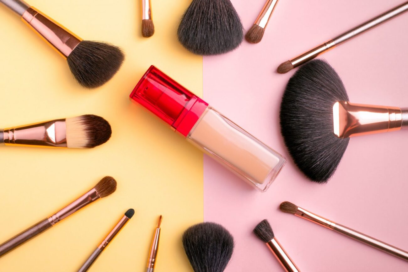 Makeup is constantly changing. Here are some different ways to have fun trying new makeup styles.