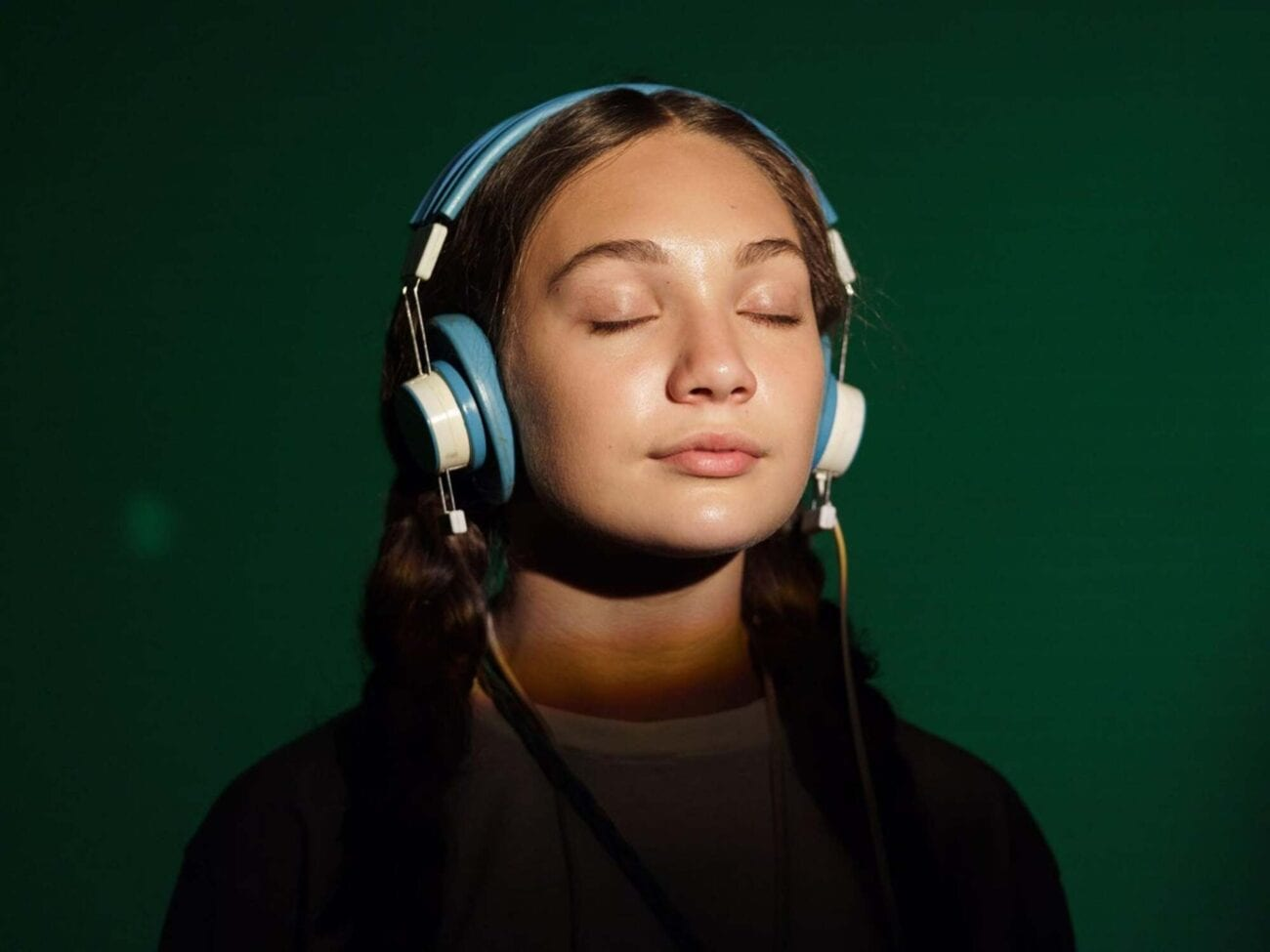 Sia and Maddie Ziegler are in hot water for their controversial film 'Music'. Here's everything the Autistic community had to say about the film.