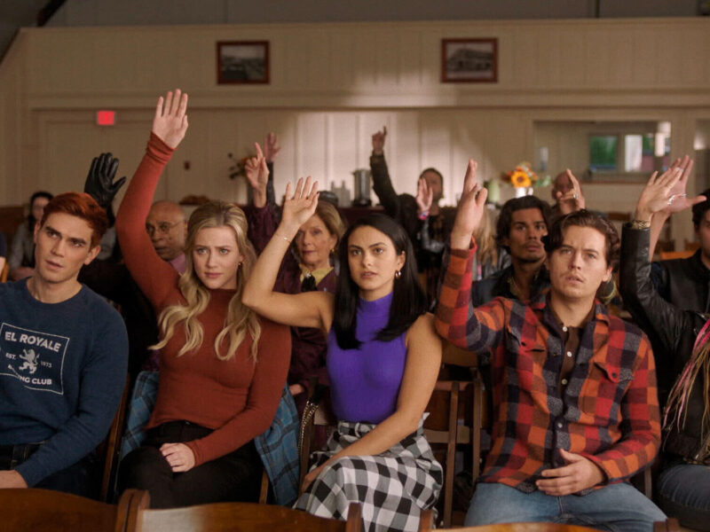 After a seven year time jump, fans are still suspicious about the first few episodes of season 5. Here are all the 'Riverdale' theories.
