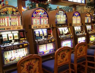 Many casinos are still closed right now. Check out how you can play online slot games and how you can still win big money at home.