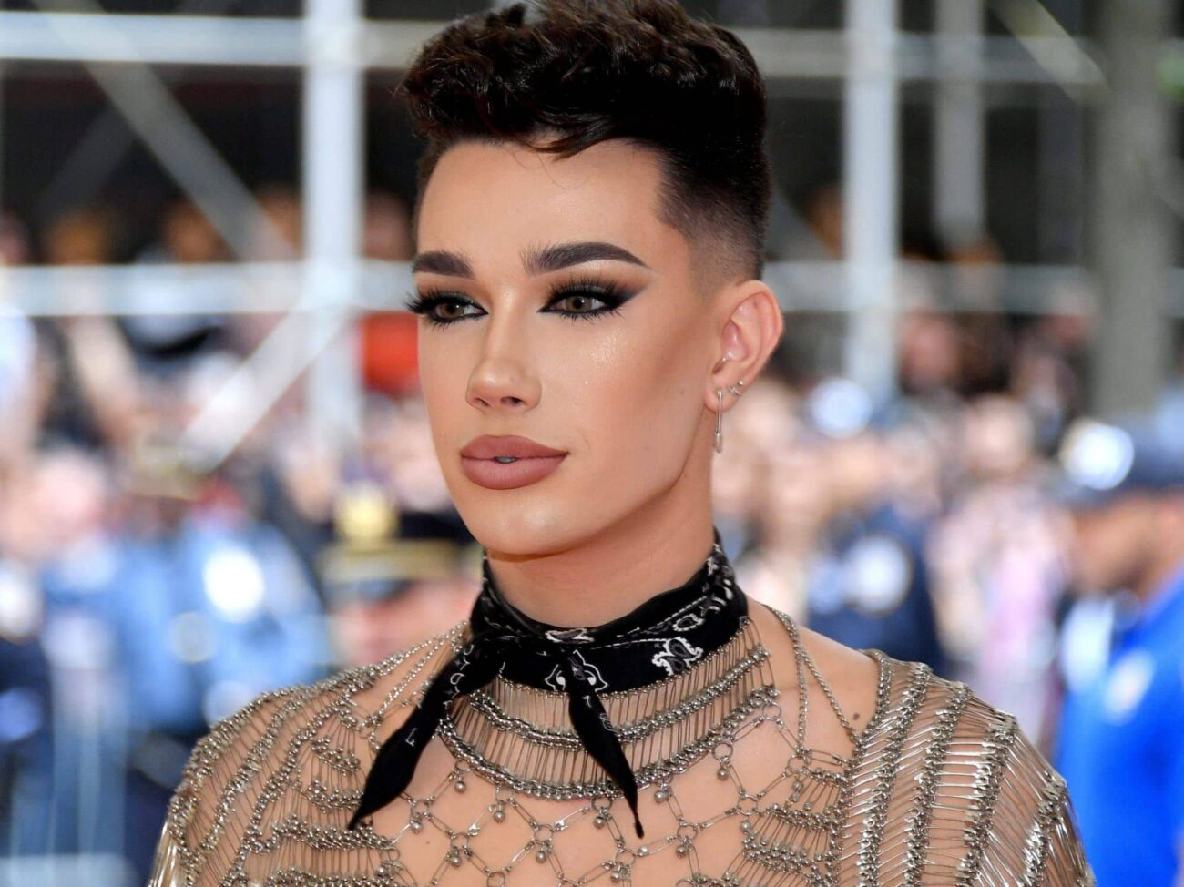 Sometimes, it doesn't matter what your net worth is: the right accusation will sink you. Find out how James Charles is dealing with grooming allegations!