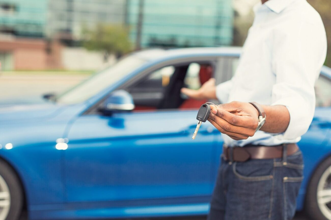 Are you ready to turn your cash into a car? Buying cars in the UAE have never been easier! Here's all the tips and tricks for your next purchase.