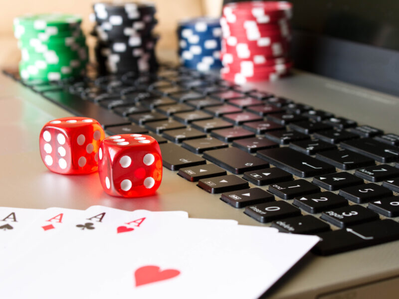 Online casinos are the wave of the future. Find out how which online casino is best suited to your gambling wants with our guide.