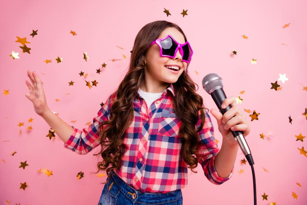 Many childhood stars can struggle with the transition into adulthood. Take a look at some recent and older childhood stars who are struggling with adulthood.