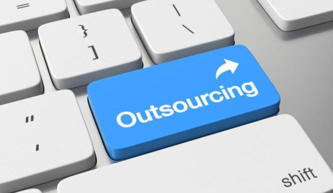 Outsourcing data science can be incredibly useful for your business. Here are some of the ways that outsourcing is a positive.