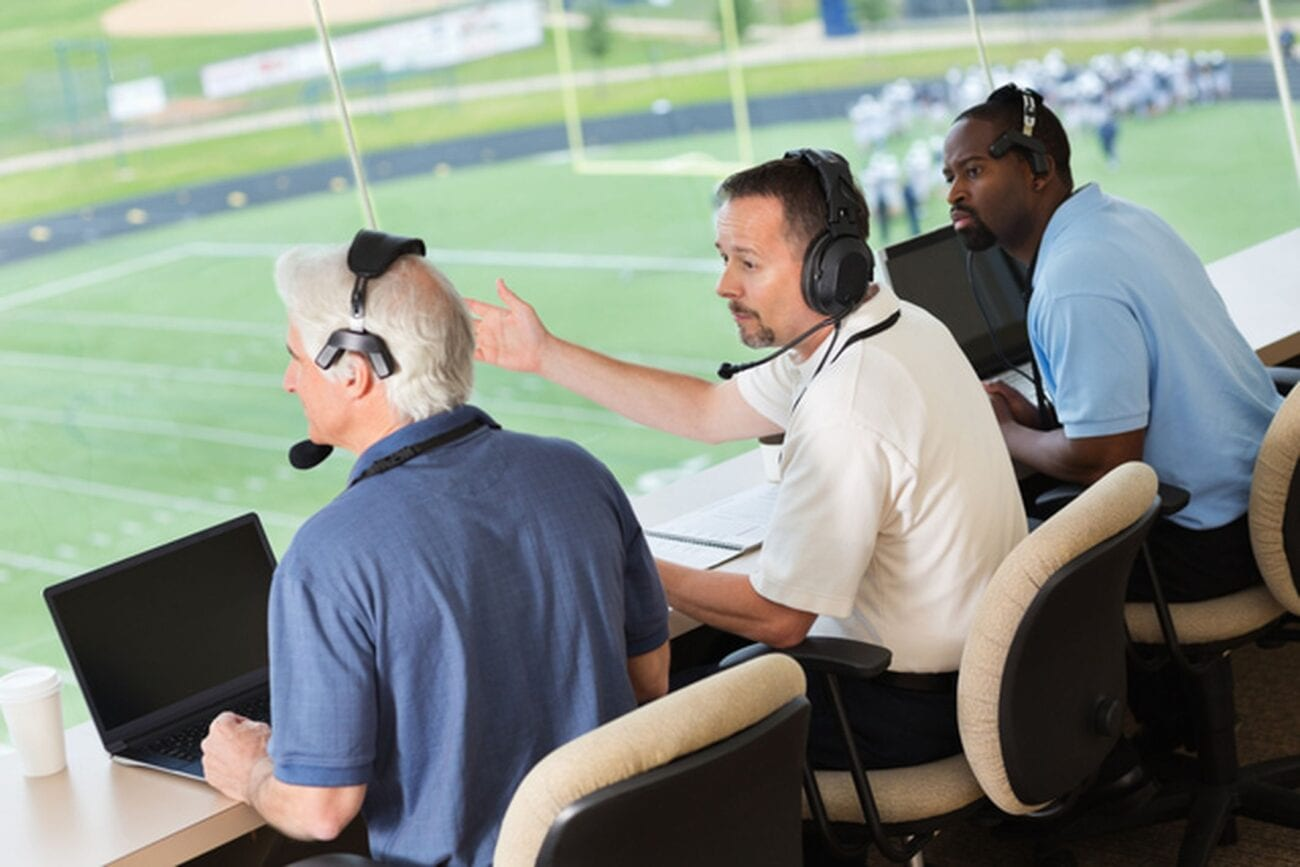 Becoming a sports broadcaster can be tricky. Here are some tips on how to best go about achieving this goal.