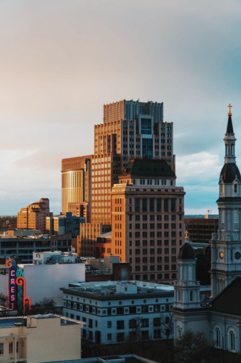 Sacramento is a lovely locale in California. Learn about the place and the various locations in Sacramento.