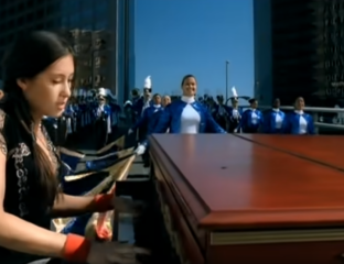 Making our way downtown, and we can't get Vanessa Carlton's hit out of our heads! Celebrate her smash hit 'A Thousand Miles' turning twenty with us!