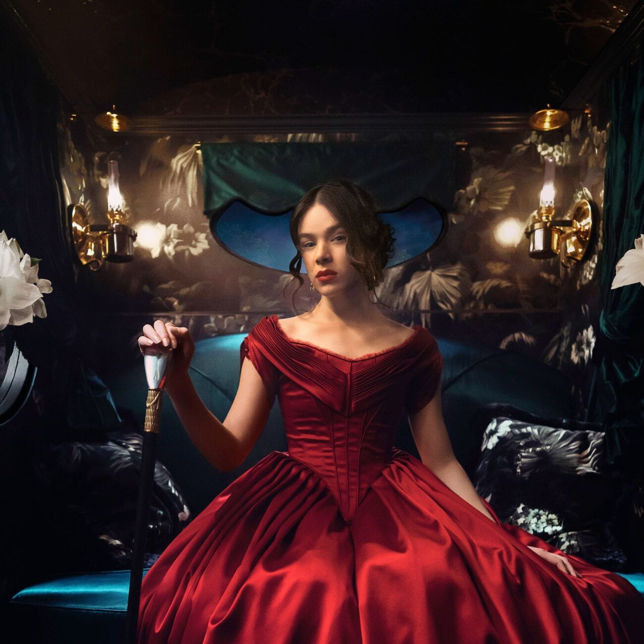 Hailee Steinfeld is absolutely charming as young writer Emily Dickinson. Does 'Dickinson' deserve a season 2?