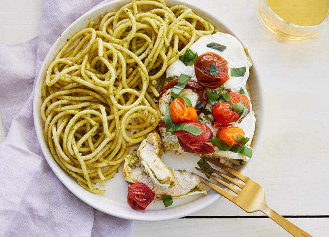 Wanna add some pizzazz to your dinner but you're not a chef? And you don't have a lot of time? We've found the easiest, tastiest recipes for a quick dinner.