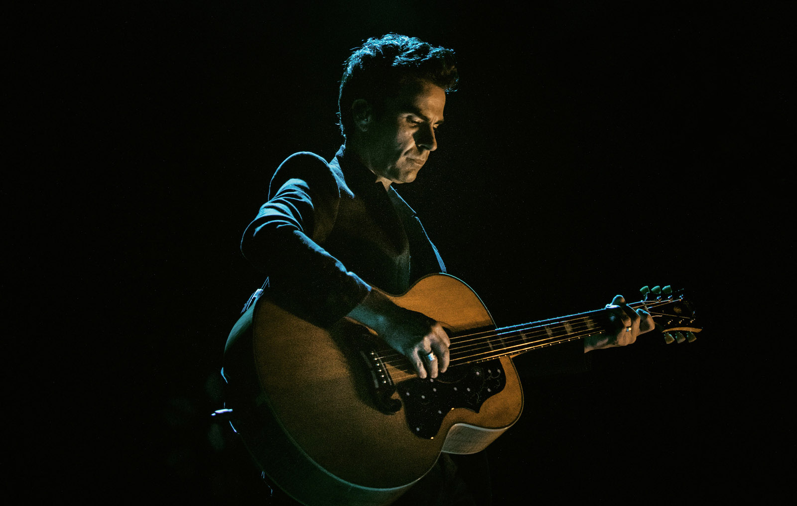 Stereophonics frontman Kelly Jones is the focus of new doc 'Don't Let the Devil Take Another Day' and it gives fans a chance to get to really know him.