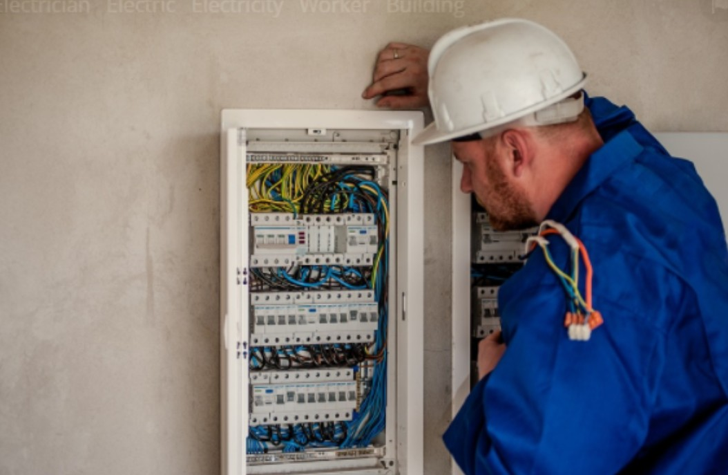 Electric contractors are crucial to maintaining a safe home set up. Find out how much an electrical contractor costs for insurance.