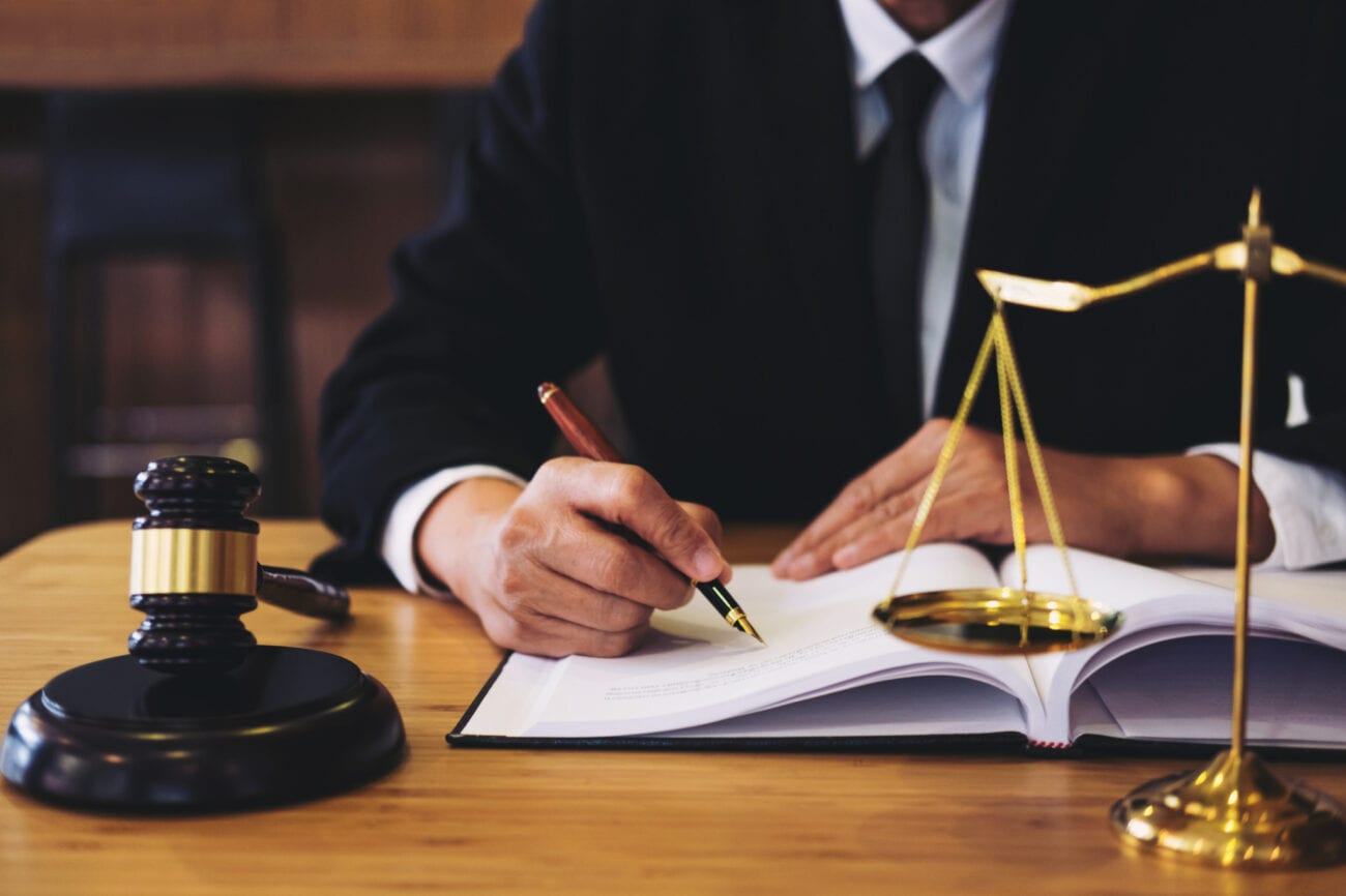There are tons of benefits to becoming a lawyer in today's world. Discover these various benefits here.