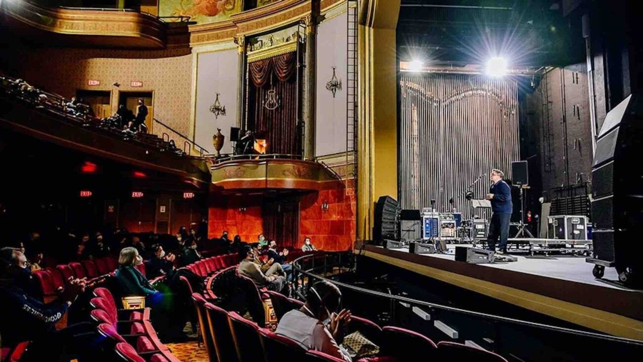 A historic Broadway theater lit up briefly on Saturday, what does this mean for the rest of the Broadway? Read on what went inside the theater.