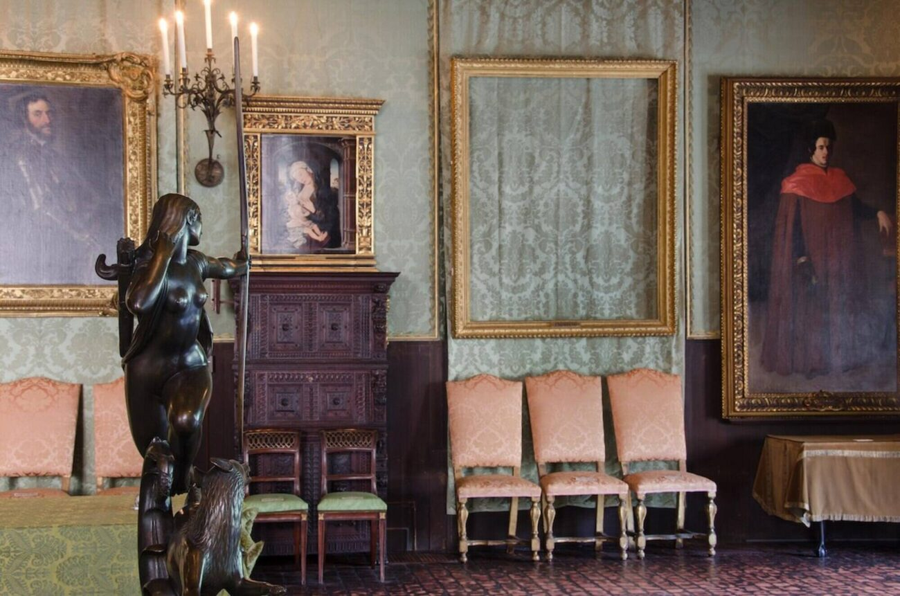 Have you visited the Isabella Stewart Gardner Museum? With Netflix you'll get the inside scoop with their latest documentary. Check it out now!