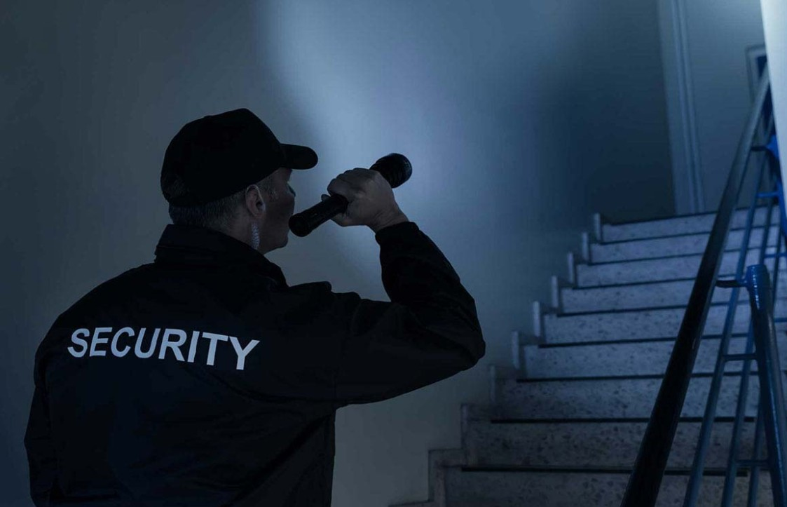 Some guards are not allowed to do the same things as security guards. Learn what these differences are here.