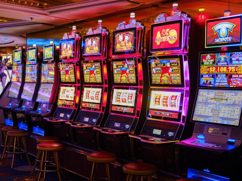 Looking for a slot machine but don't have a lot of money to play? Check out these online slot machines that are perfect if you're tight on funds.