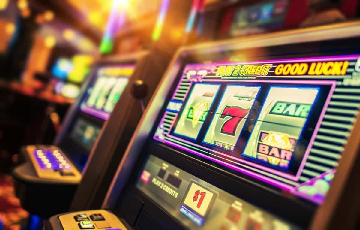Slot machines are huge all over the world. Here's a list of the best online slot machines for Spanish users.
