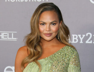Chrissy Teigen returns to Twitter almost a month after her retirement. Laugh at these tweets