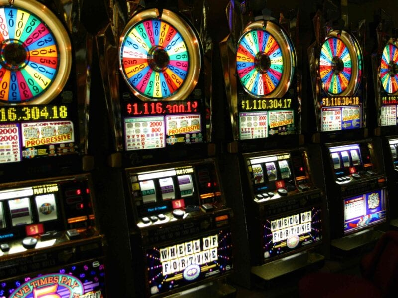 Slot machines are among the most popular gambling options online. Check out slot machines for Spanish players here.