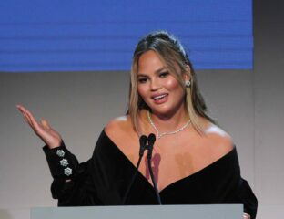 Chrissy Teigen has once again come under fire on social media. Get ready to retweet and dive into the Chrissy Teigen scandal on Twitter.