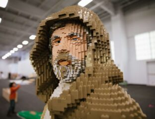 You know what's better than regular memes? Lego memes! Get ready to be blown away by this gallery of surprisingly detailed viral sculptures.