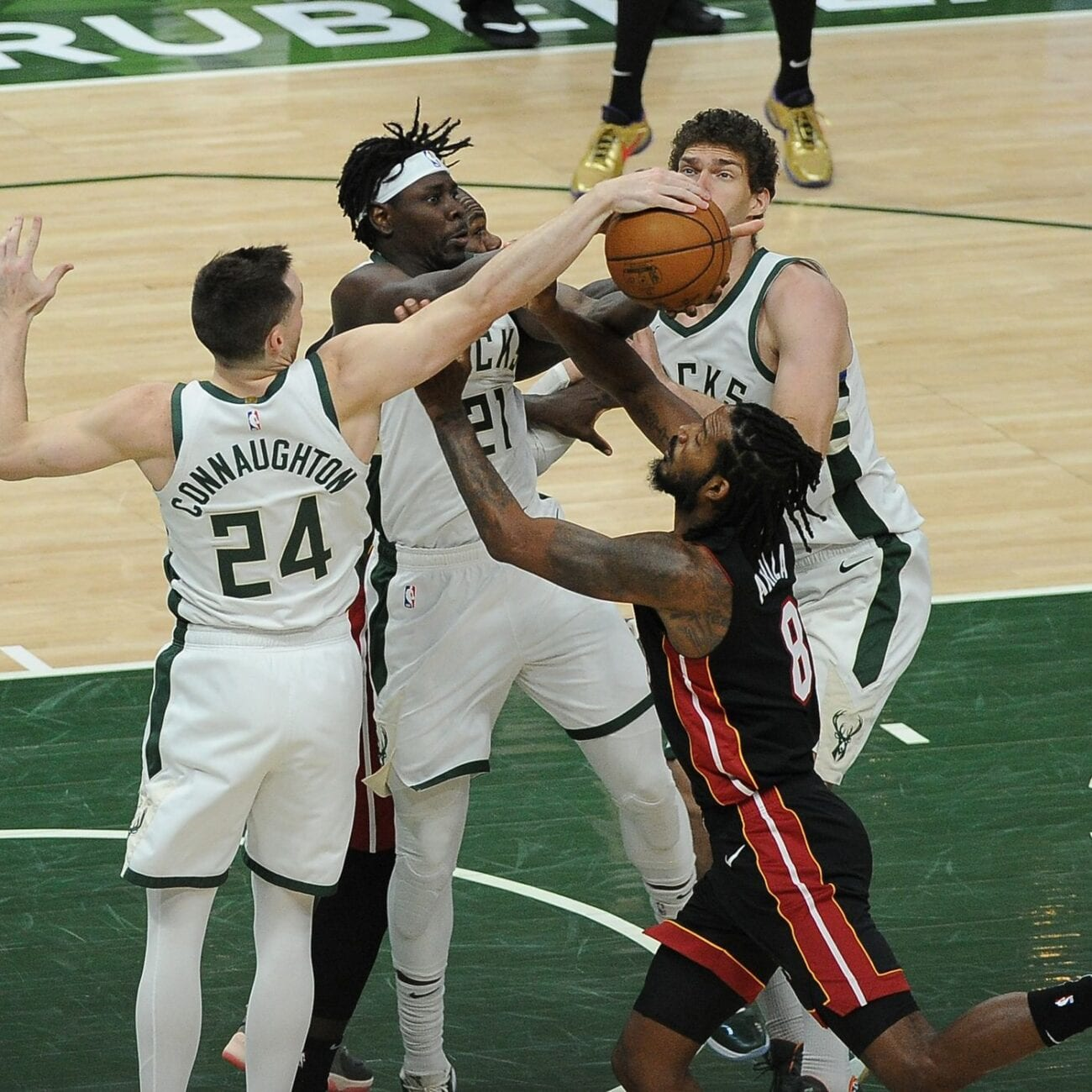 Bucks will face Heats tonight, with the Phoenix Suns second after a breakthrough season. Watch the live stream here.