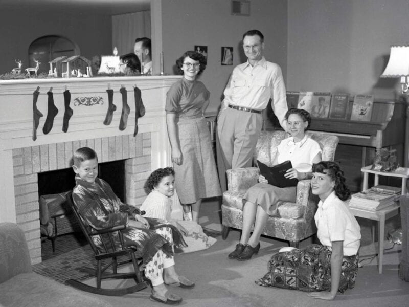 """When tragedy strikes, sometimes, all we can wonder is, """"why?"""" What happened to the Clutter family? Here's some thought provoking info here you'll wanna see!"""