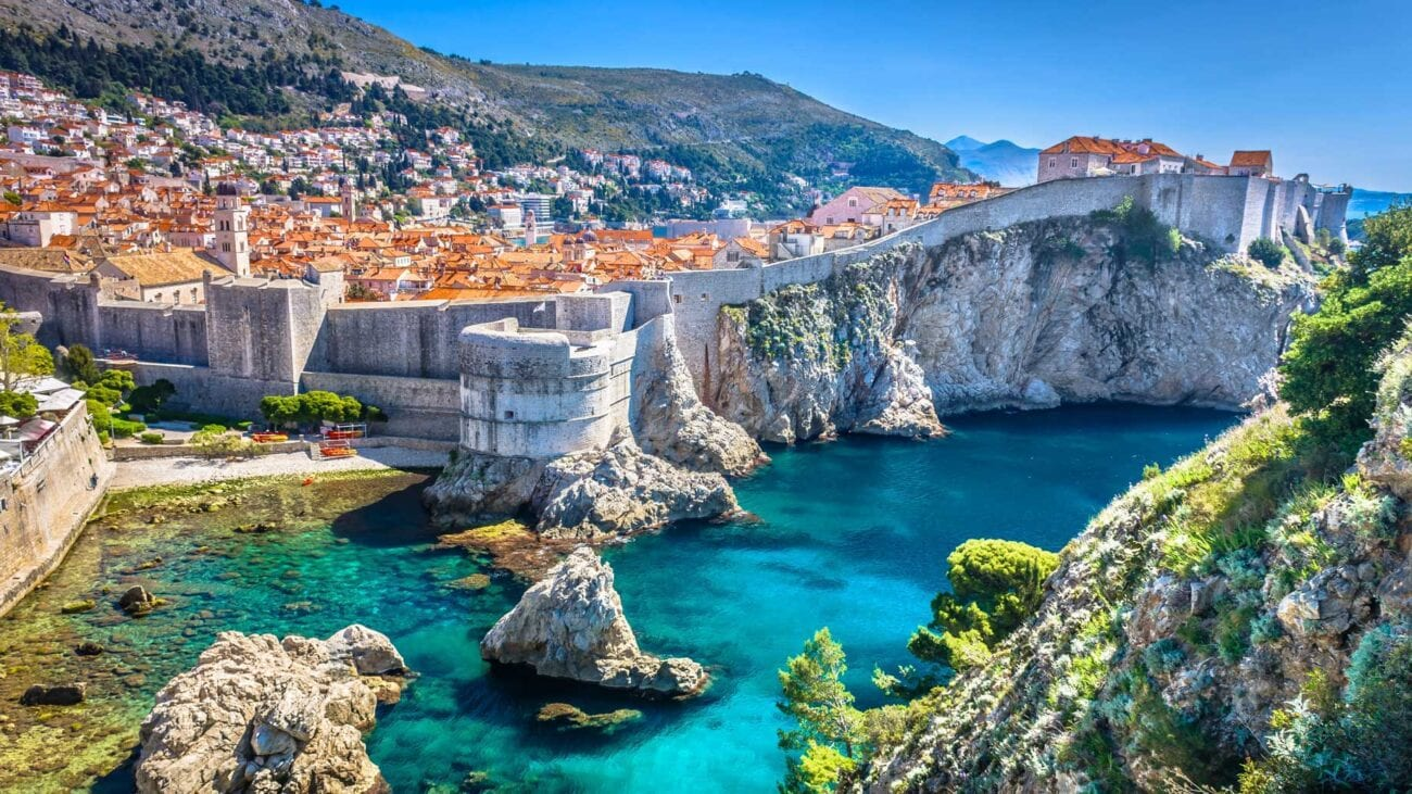 Amazing weather, interesting wildlife, historical buildings, uncountable islands, and a coastline of length over 1700km. Why should you sail around Croatia?