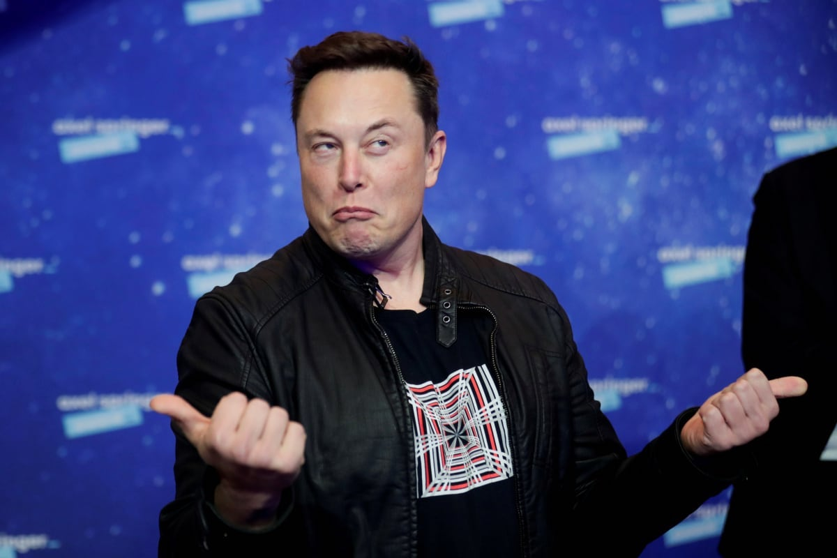 We've snooped around the web to get some details into the Tesla co-founder Elon Musk houses of the world, and here's what we've found.