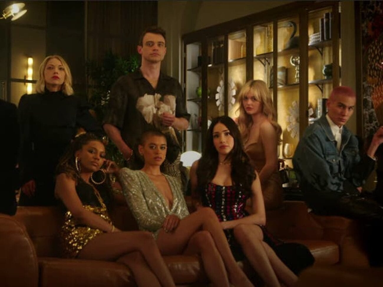 'Gossip Girl' drops a teaser to give fans a much needed look at the reboot in action. XOXO your way in to see what we've learned from it.