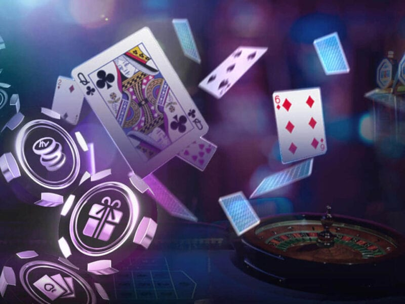 Are you stuck thinking about a plot for your next casino movie? Why not write a story about online casinos? See how this setting can work in your next film!