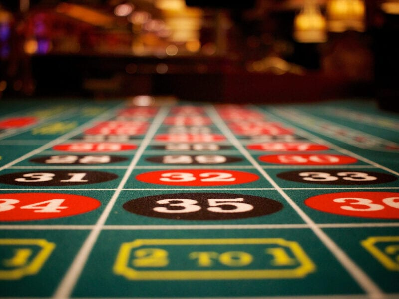 Casino films are often great capers packed with interesting details and intriguing characters. Find out about five great casino films you could try here!