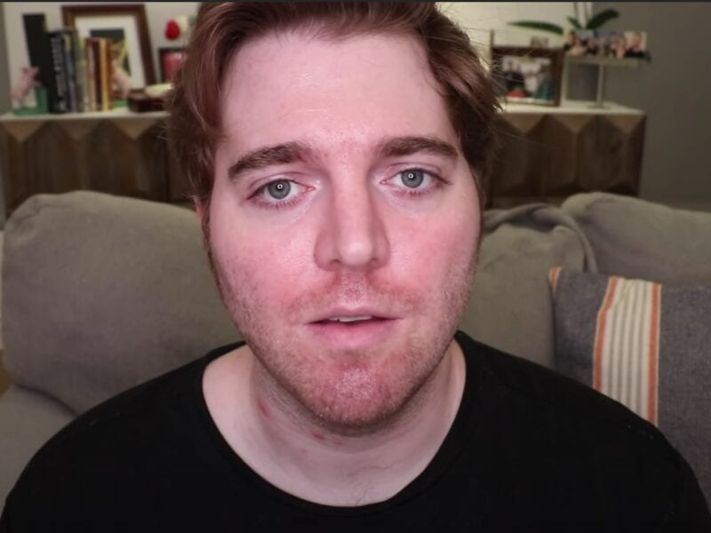 Why are Shane Dawson memes flooding our Twitter feeds? Well, the controversial YouTuber may be coming back. Take a deep breath and see the online reactions!