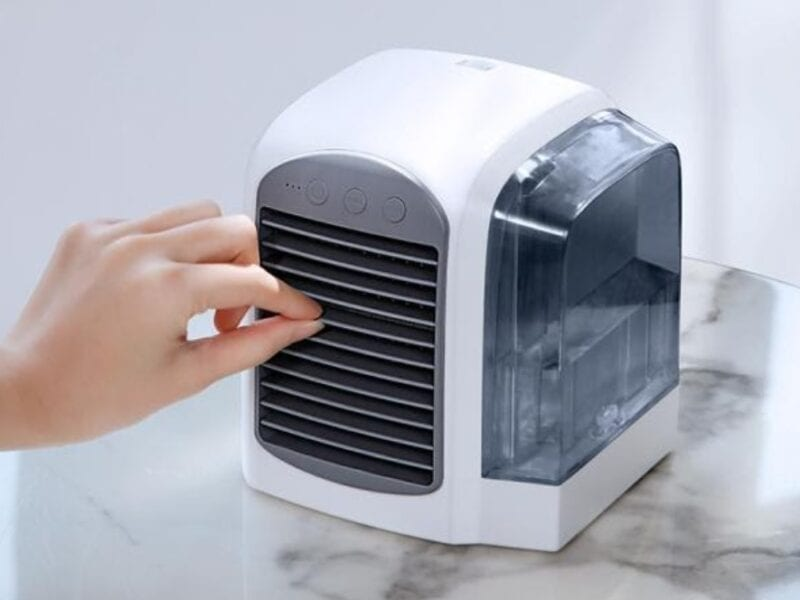 Breeze Tec is a portable AC unit for those who need to cool down. Find out whether its right for you with these reviews.