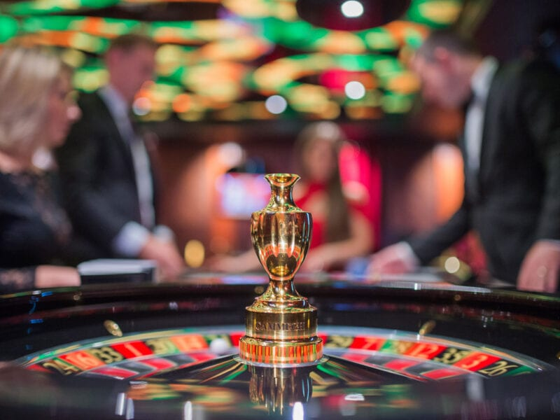 There are tons of online casinos based out of the UK. Here are some tips on which to frequent and where to find the best bonus.