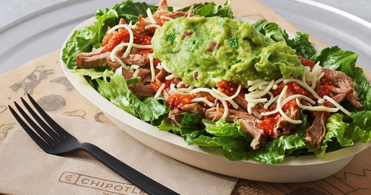 Twitter seems to be up in arms regarding Chipotle and its rising prices. But is it the employees' fault? Let's see the best reactions.